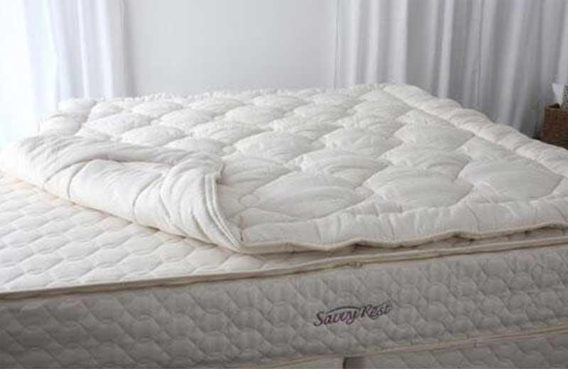 Verwenden Sie einen Matratzenbezug